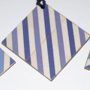 collar y pendientes azul y blanco