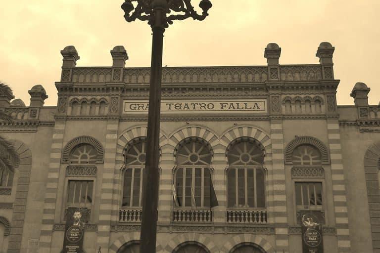 centro-historico-cadiz-teatro-falla